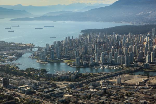 Vancouver_cliff_hellis01